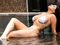 Pounded By The Pool Starring Romi Rain – Brazzers Exxtra HD