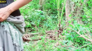 Sr Lankan Desi Girl Outdoor Pissing නදීකා අක්කා එලියේ ඉදන් චූ දානවා