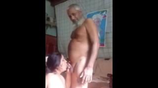 Older Man Fuck Desi Hot Anty In Room Hidden Camera