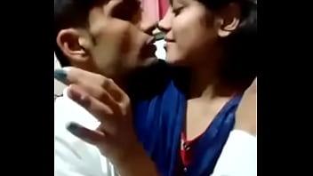 Sweet Desi Couple Sexy MMS Video